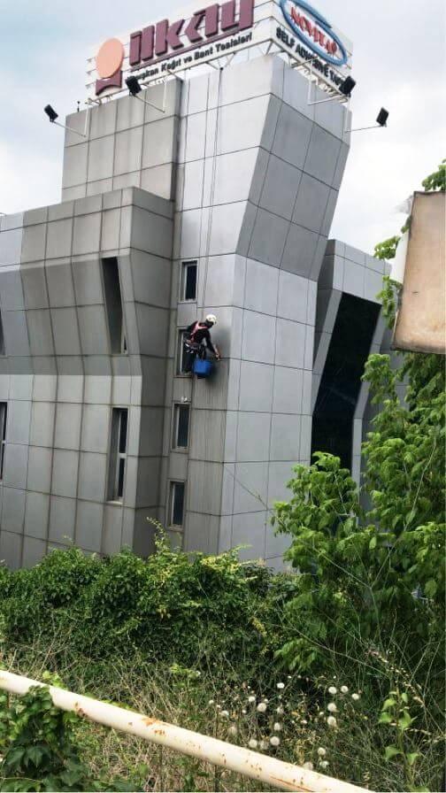 bina dis cephe temizliği - Dış Cephe Cam Temizliğinde Kullanılan Ekipmanların Önemi