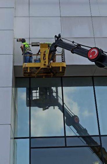 bina dis cephe temizlik calismasi e1598616707712 - Dış Cephe Temizliği Ne Tür Binalara Yapılabilir?
