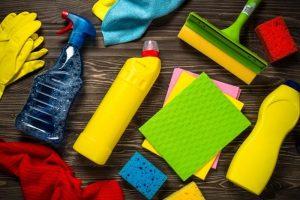 temizlik malzemeleri 300x200 - Dış Cephe Cam Temizliği Nasıl Olmalıdır?